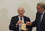American biologist James Watson and Vladimir Fortov, the President of the Russian Academy of Sciences