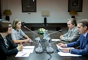 Serbian parliament speaker Maja Gojkovic and Chairman of Russia's State Duma Sergei Naryshkin
