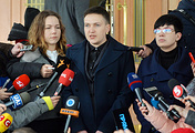 Nadezhda Savchenko talks to journalists outside the offices of the Security Service of Ukraine