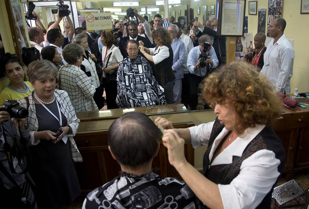 UN General Secretary Ban Ki-moon got a haircut in the center of Havana while on an official visit to Cuba on Jan. 28 2014