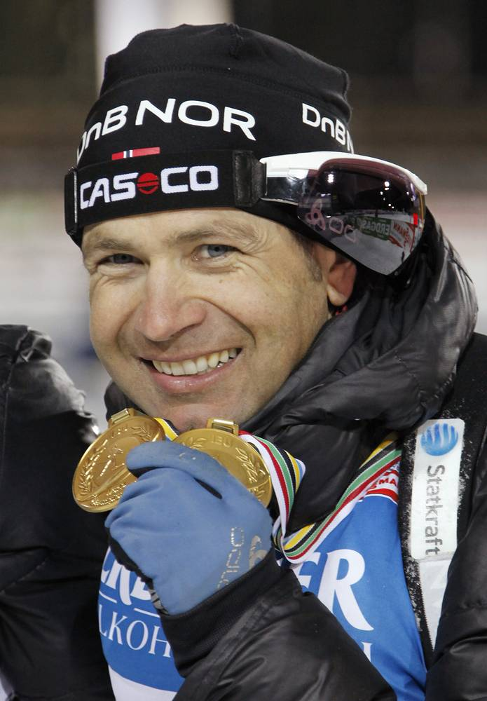 The great athlete showing his medals in Khanty-Mansiysk in 2011