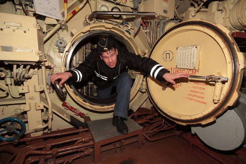 Inside B-871 Alrosa submarine