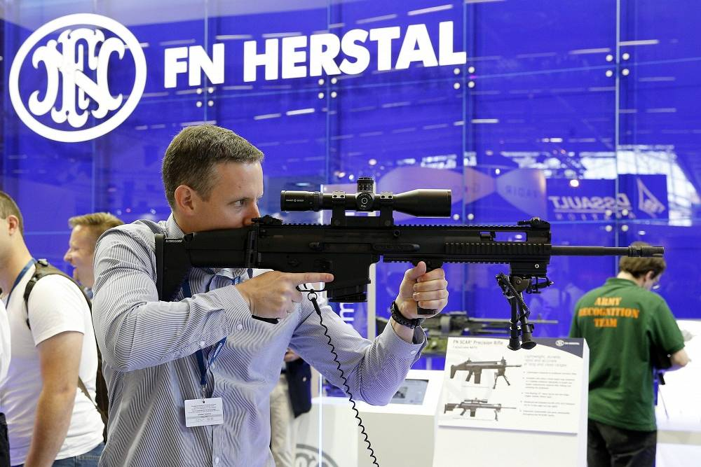 A riffle made by Belgium manufacturer FN Herstal
