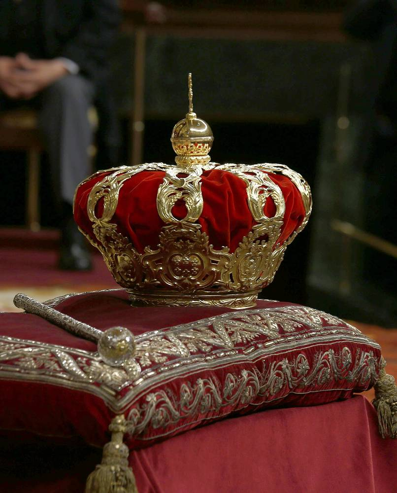 The crown and sceptre are on display during the proclamation of the new King Felipe VI
