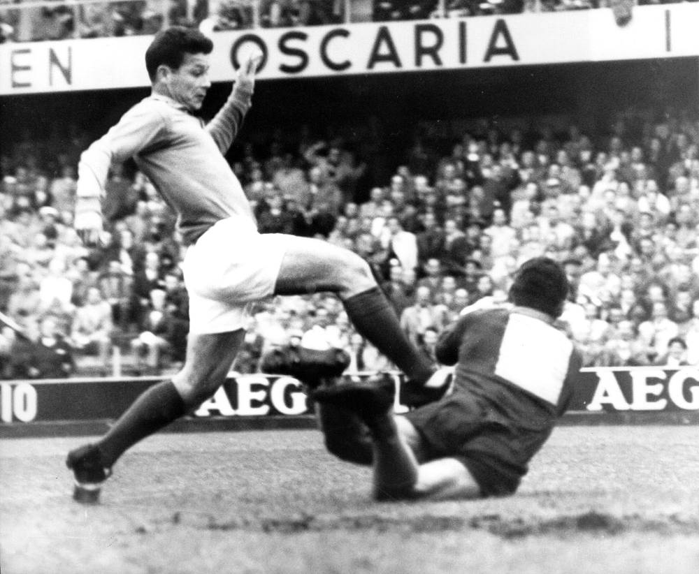 France's Just Fontaine (left) still holds the record of scoring most goals (13) in a single World Cup tournament