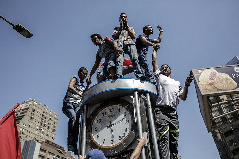 Supporters of Mohamed Morsi march through streets of Cairo, 2013