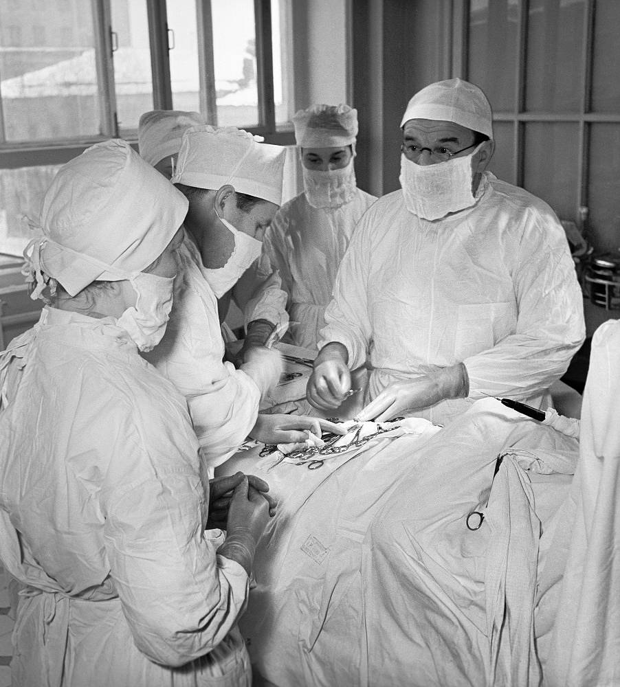 Academician Alexander Bakulev during a surgery operation in the Chest Surgery Institute of the Medical Science Academy of the USSR, 1957