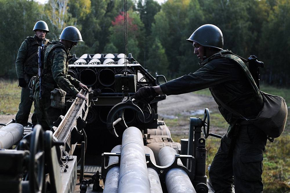 Photo: Russian military officers during a missile and artillery firing exercise by Russia's Central Military District military units