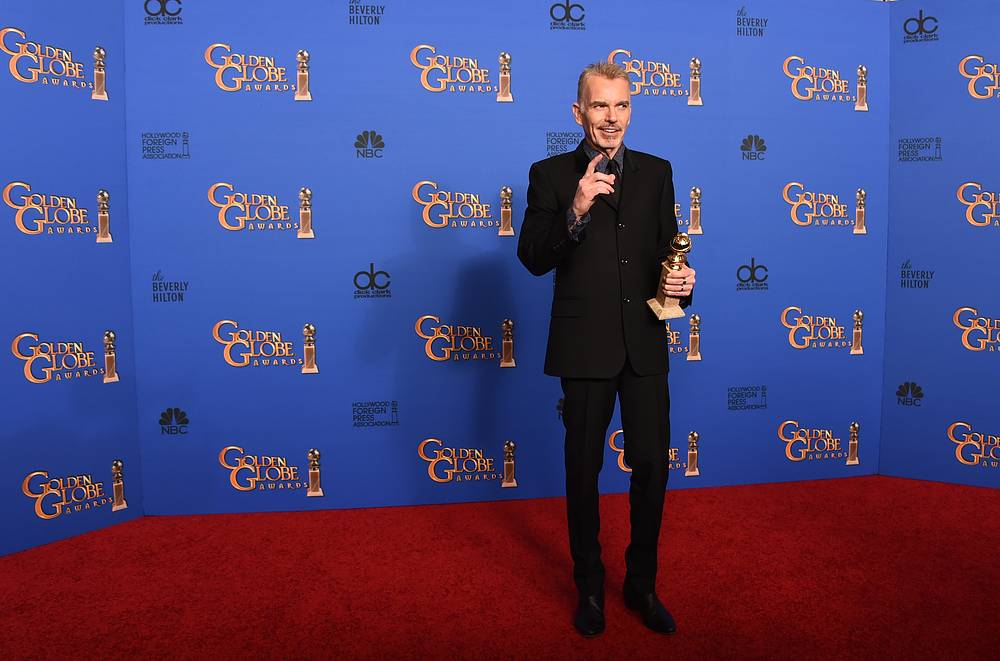 """Billy Bob Thornton with the award for Best actor in a miniseries or television film for """"Fargo"""""""