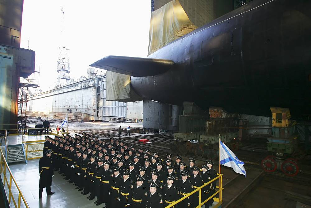 The leading submarine of the series, Yuri Dolgoruky, went into service in January 2013. Photo: Borei-class submarine Yuri Dolgoruky of the fourth generation at the shipyard