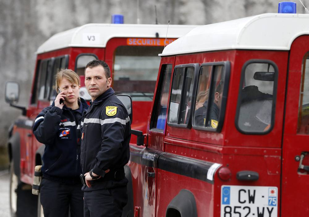 Forensic experts are expected to collect remains of the dead and prepare them for identification. Photo: Members of the French Fire Service