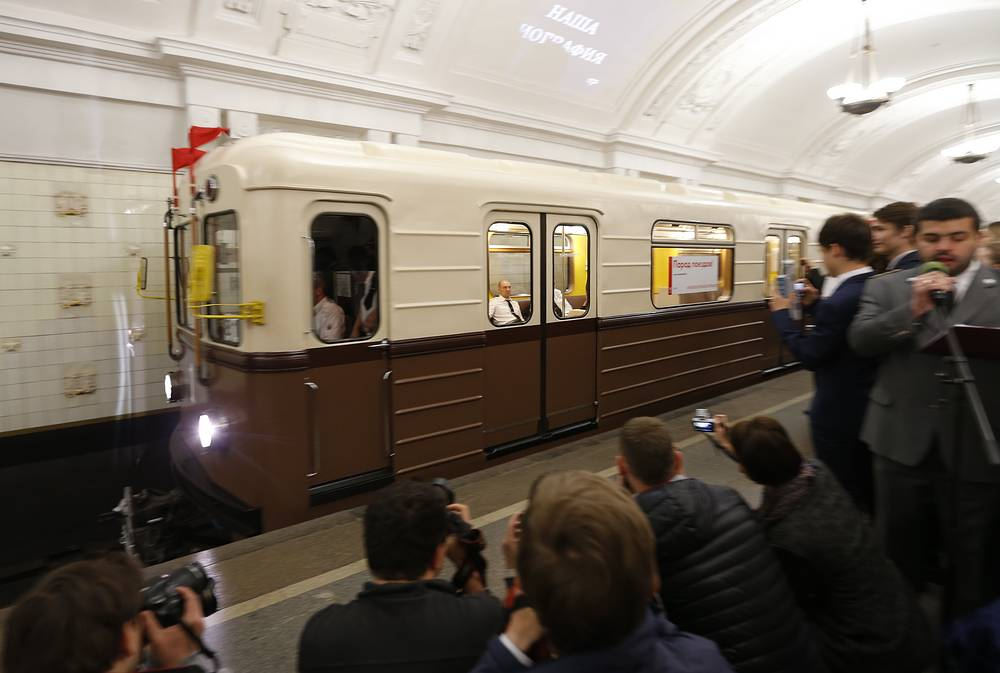 Parade of vintage trains in Moscow Metro
