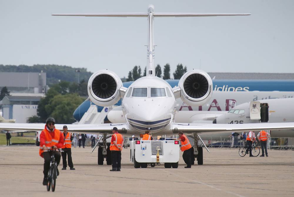 US Gulfstream N450 GA passenger plane arriving on the tarmac for the aris Air Show-2015, Le Bourget