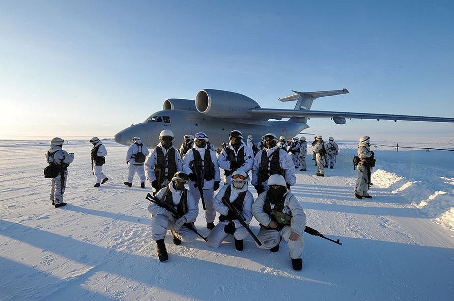 Preparation of Russian airborne units for landing on the island of Novaya Zemlya and Franz Josef Land