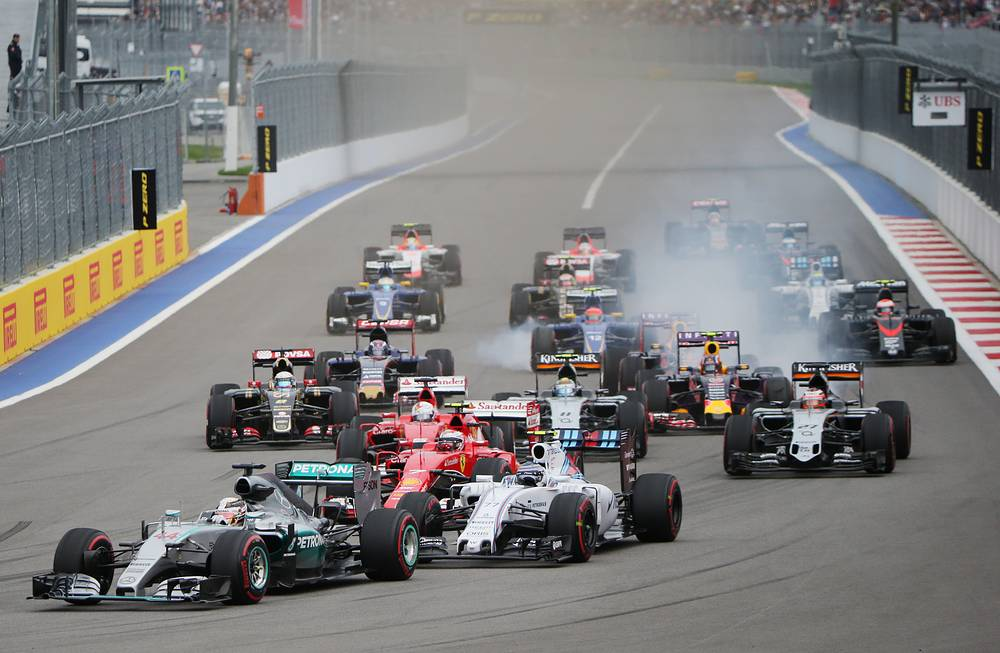 Force India's car colliding with Sauber during Formula 1 Russian Grand Prix