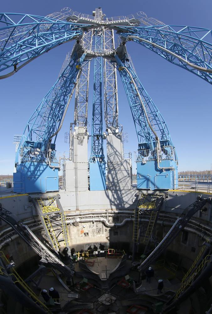 The Vostochny cosmodrome will comprise two launch platforms, an airfield, facilities for crew members' pre-launch preparation, oxygen-nitrogen and hydrogen plants, 115 kilometers of roadway and 125 kilometers of rail track