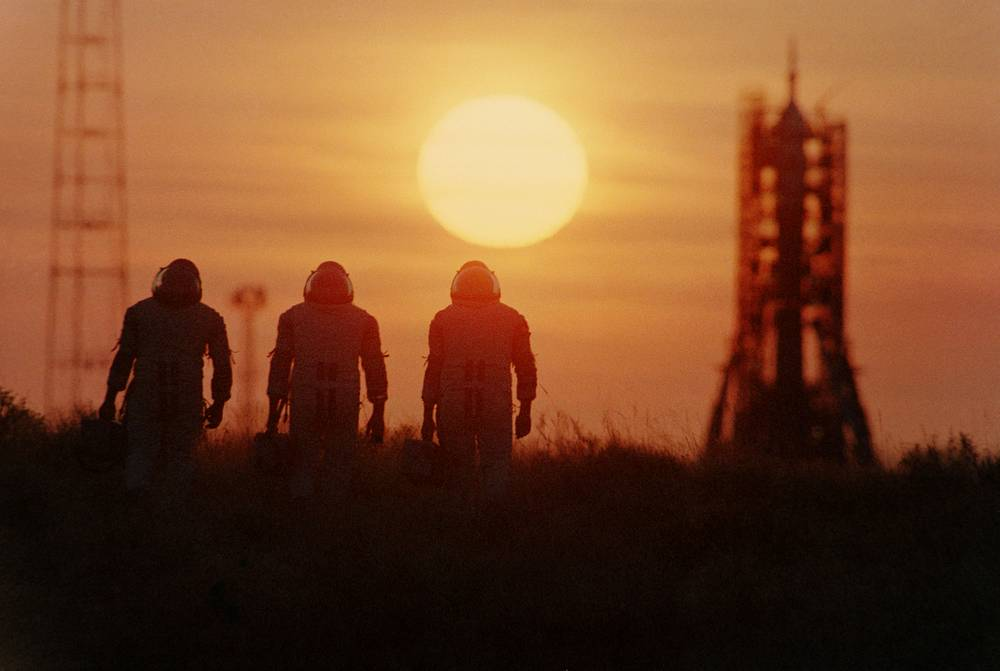 Astronauts seen ahead of their flight into space,1985