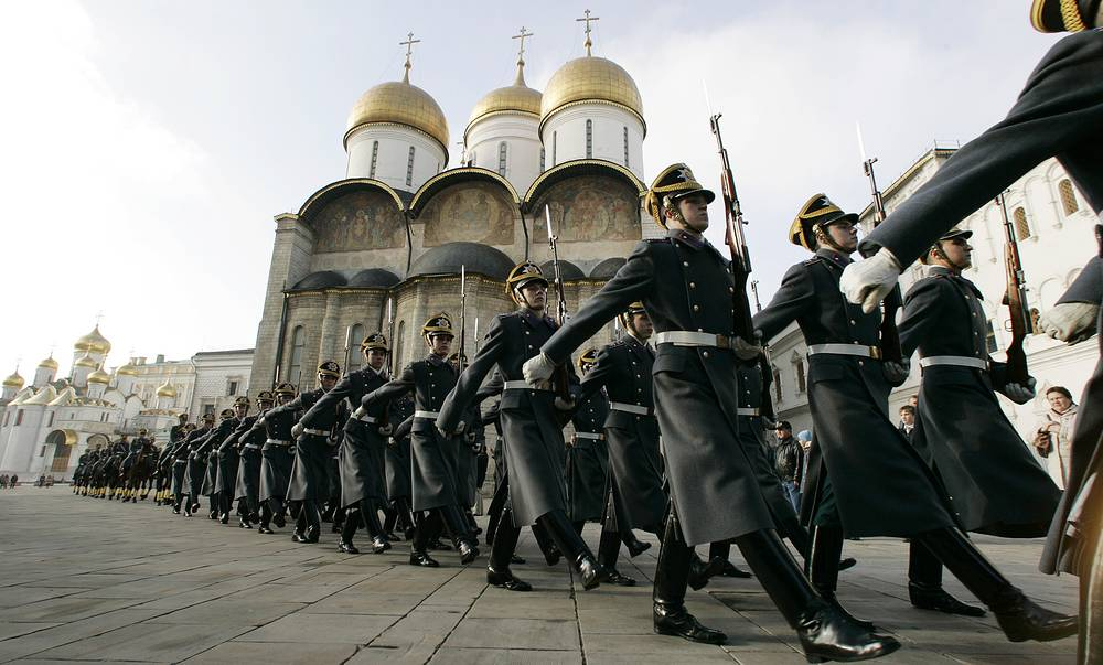 Kremlin guards leaving the Cathedral Square after a ceremony