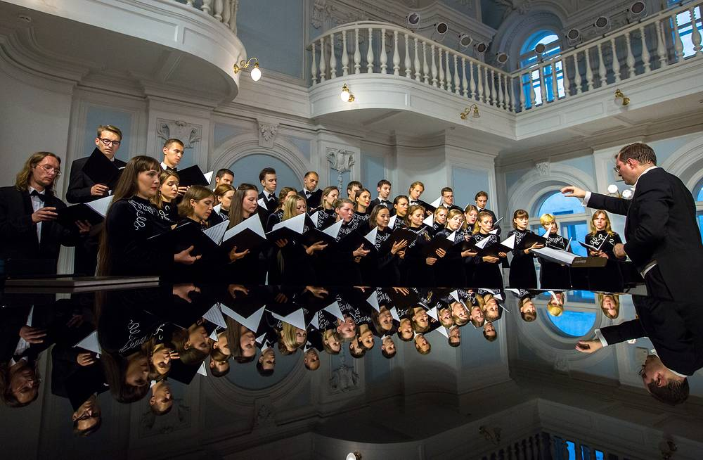 The conservatory was founded in 1866. Photo: Conductor Alexander Solovyev and the Chamber Choir of the Moscow Tchaikovsky Conservatory