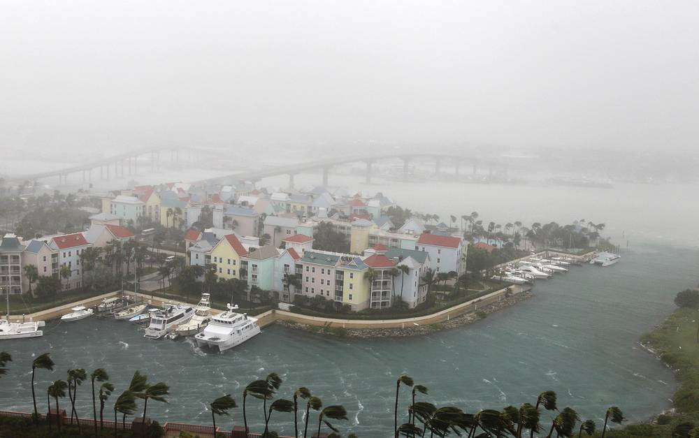 Hurricane Matthew moves through Paradise Island in Nassau, Bahamas, October 6