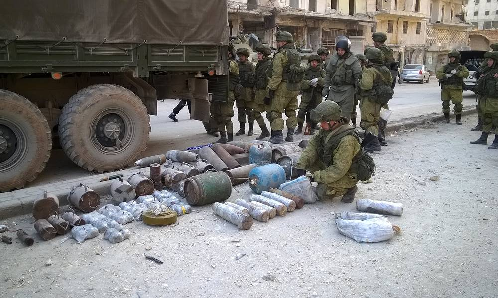 Russian sappers in eastern Aleppo