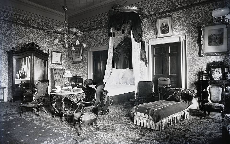 In 1814 the White House was set ablaze by British troops during the Burning of Washington. Only the exterior walls remained, and they had to be torn down and mostly reconstructed. Photo: Presidential bedroom, 1891