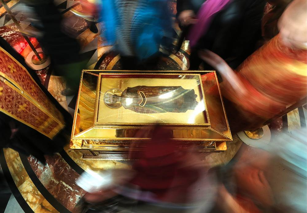 Orthodox believers venerate fragments of St Nicholas' relics at the Cathedral of Christ the Saviour in Moscow, Russia, May 22