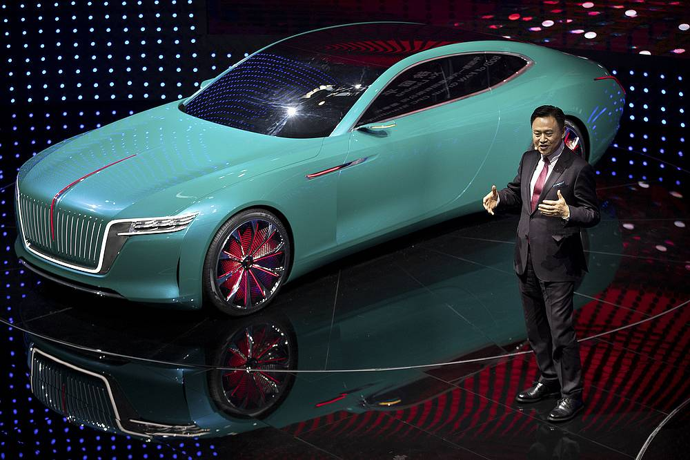 Xu Liuping, Chairman of the Board of Directors of China's state-owned FAW Group, presenting the Hongqi E-Jing GT electric concept car