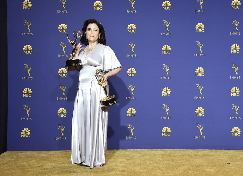 "Alex Borstein, winner of the award for outstanding supporting actress in a comedy series for ""The Marvelous Mrs. Maisel"""