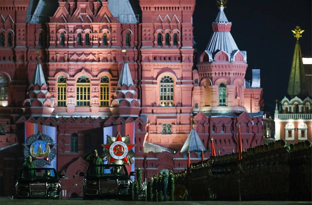 According to the defense ministry, this year more than 130 wheeled and tracked vehicles will pass through Red Square