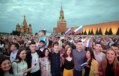 Over 5 mln people take part in nationwide Russia Day celebrations