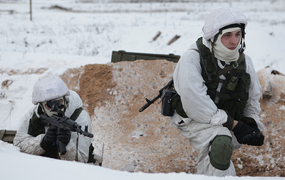 Russian, Belarusian paratroopers seize and retain advantageous terrain in drills