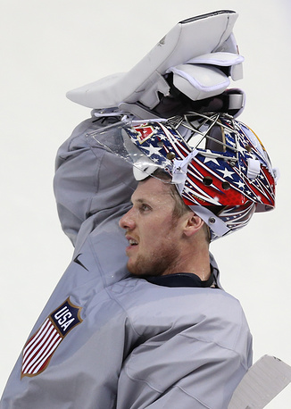 US goalie Jimmy Howard during training session