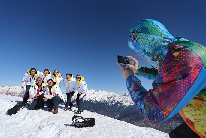 German curling team takes photos at Roza Khutor skiing complex