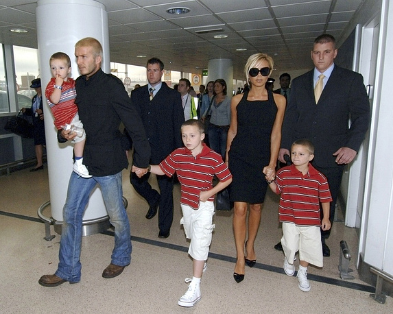 Beckham spouses with their three sons, 2007