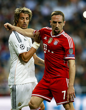 Real Madrid's Fabio Coentrao (L) and Bayern Munich's Franck Ribery