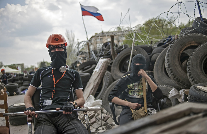 A protester at a barricade in Donetsk