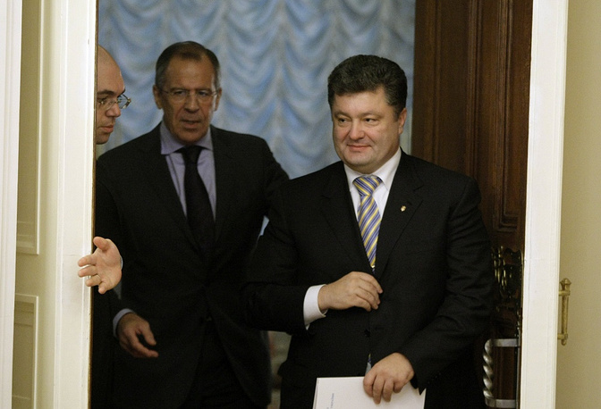 October 2009 through to March 2010 Poroshenko was Ukraine's Foreign Minister. Photo: Petro Poroshenko and Russian Foreign Minister Sergei Lavrov