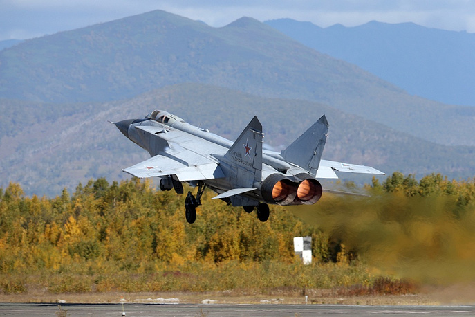 Russian Defense Minister Sergei Shoigu praised the troops' combat readiness. Official results, however, will be summed up later. Photo: MiG-31 supersonic interceptor aircraft seen during the drills