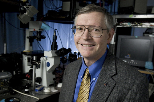 Photo: William Moerner in a lab at Stanford in Palo Alto, USA
