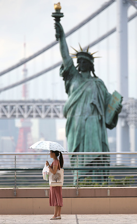 Photo: replica of the Statue of Liberty at Odaiba, Tokyo