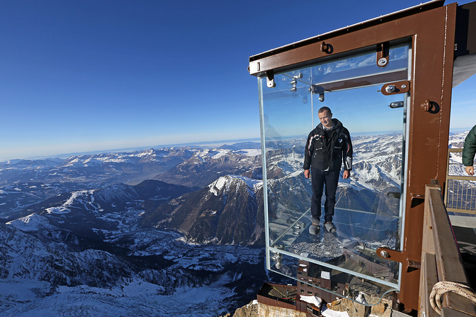 Photo: Glass cube named 'Pas dans le Vide' (Step into the Void) at the top of the Aiguille du Midi peek (3842-meters high or 12,604 feet), in the French Alps