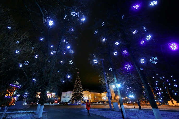 A decorated New Year tree in the city of Vladimir
