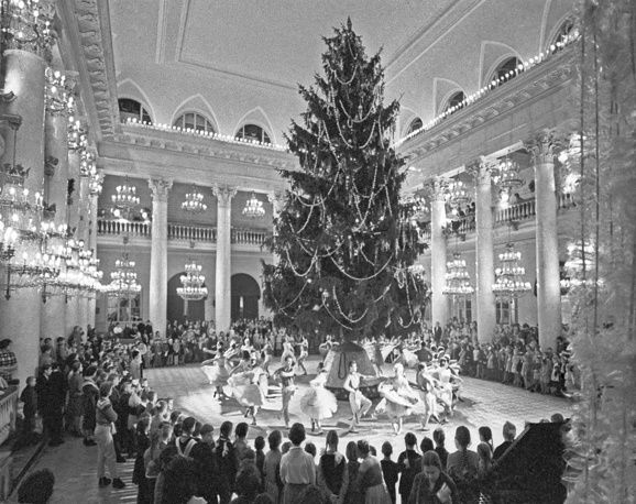 New Year celebration in the Column Hall of House of the Unions, Moscow, 1963