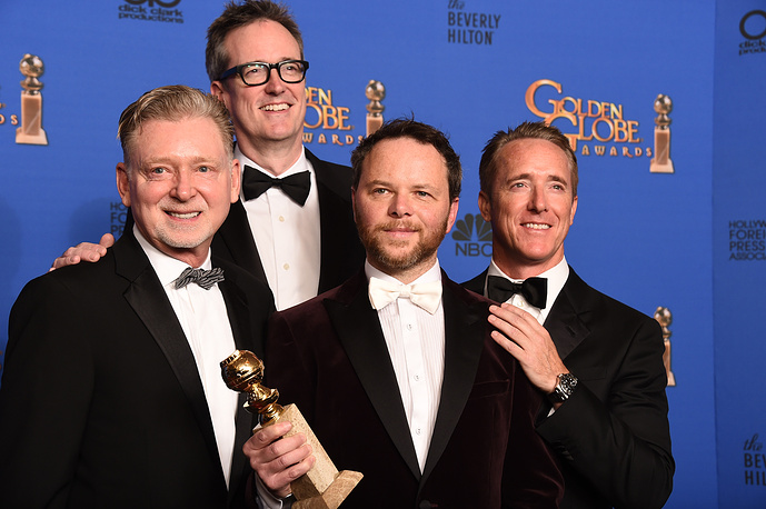 "Warren Littlefield, John Cameron, Noah Hawley and Geyer Kosinski with the award for Best miniseries or television film for ""Fargo"""