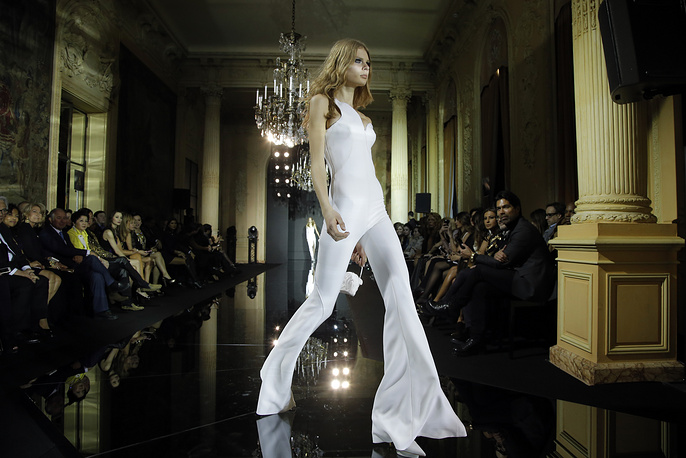 Atelier Versace Haute Couture fashion collection