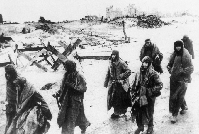 German soldiers on their way to captivity