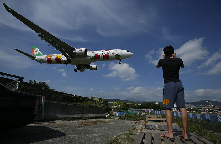 EVA Airways, a Taiwanese international airline comes third. Photo: Hello Kitty-themed EVA Air Airbus 330-300 jet from Japan approaching to land at the Sungshan Airport in Taipei