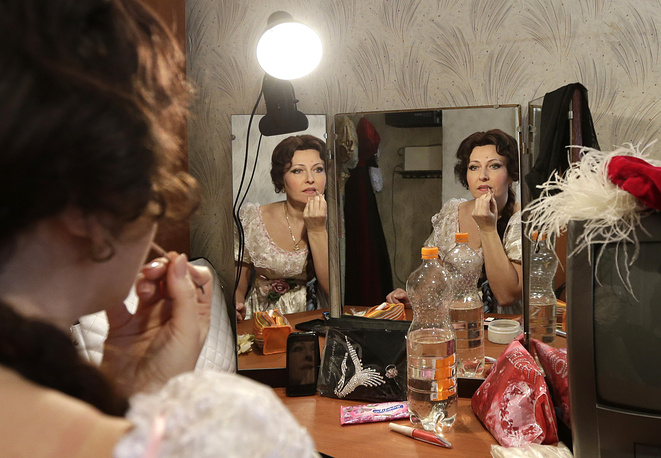Actress with the Donbas Opera Theater