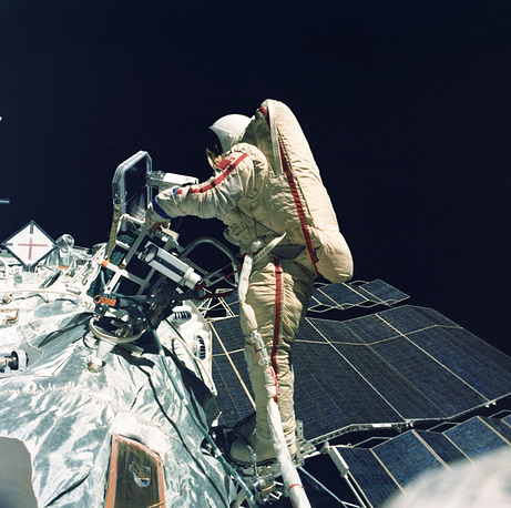 Savitskaya conducted an EVA (extravehicular activity) outside the Salyut 7 space station for 3 hours 35 minutes